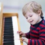Membentuk Kecerdasan Anak Dengan Musik