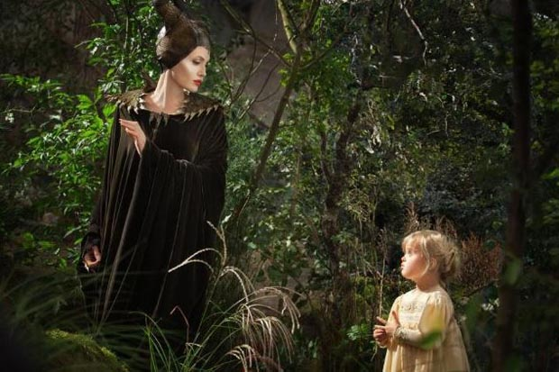 review film angelina jolie maleficent