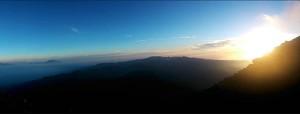 Sunrise mendaki gunung semeru