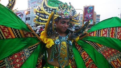 peserta lampung tapis carnival 2014