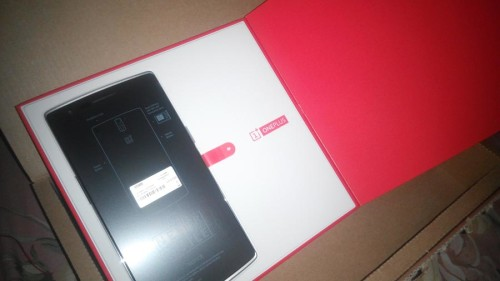 Isi box unit Oneplus One baru
