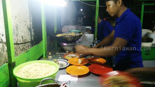 Kuliner Surabaya Tahu Telor Pak Jayen
