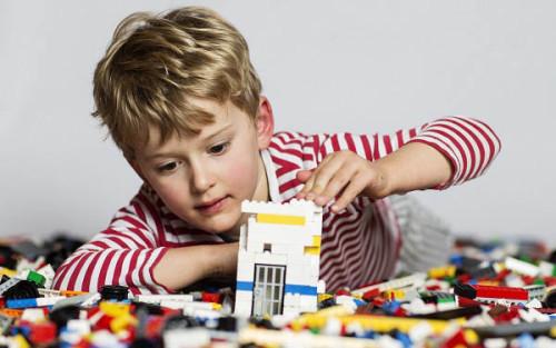 LEGO Pilihan Mainan Edukatif Untuk Anak