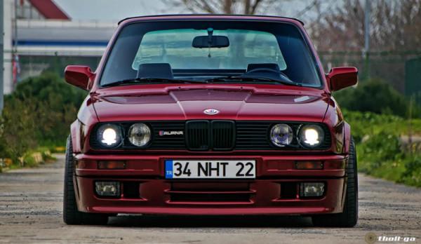 Harga Mobil Retro BMW E30 318i M40