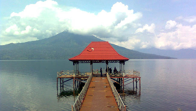 Penginapan Pemandangan di Danau Ranau