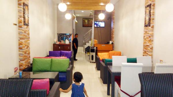 Interior Cafe Ambali Masakan Bali di Bandar Lampung