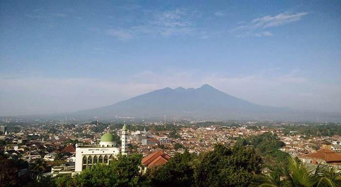 Pemandangan Dari Hotel Sahira Butik Bogor