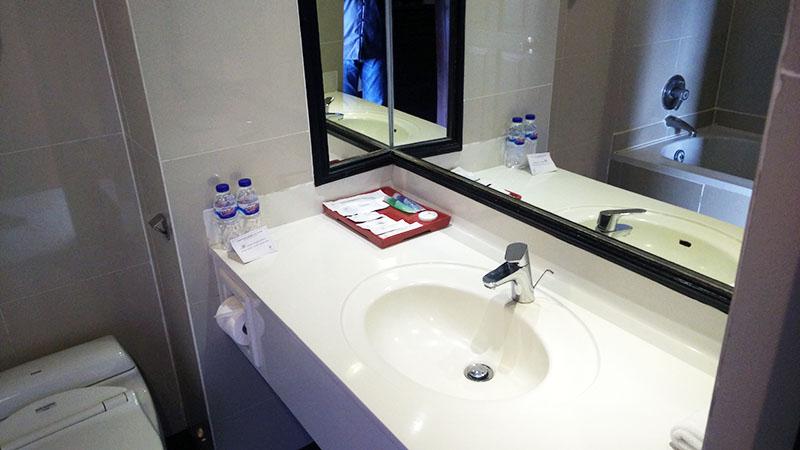 kamar mandi bersih hotel sanur paradise plaza bali