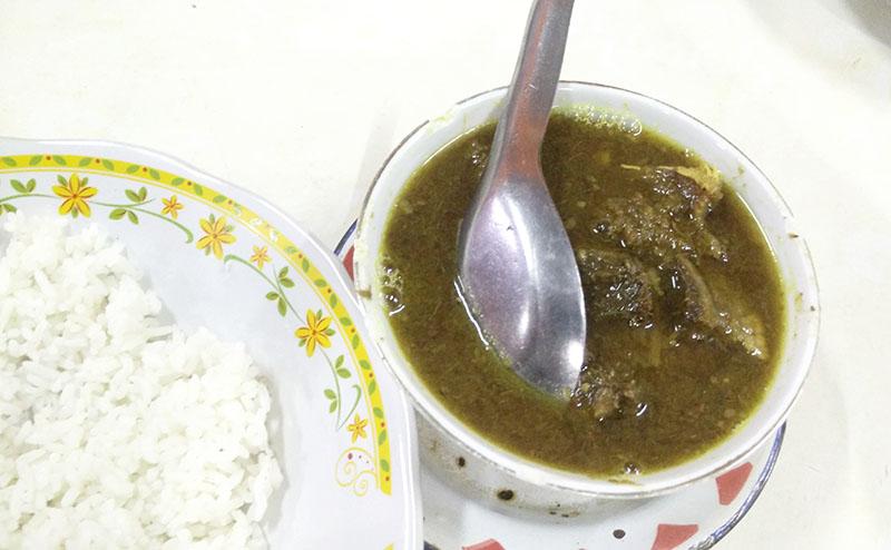 Kuliner Makassar Pallu basa Onta