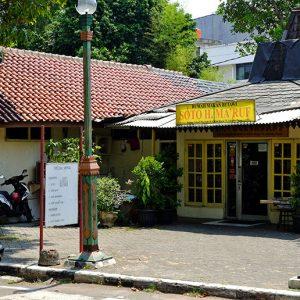Tempat Makan Soto Betawi Khas Cikini
