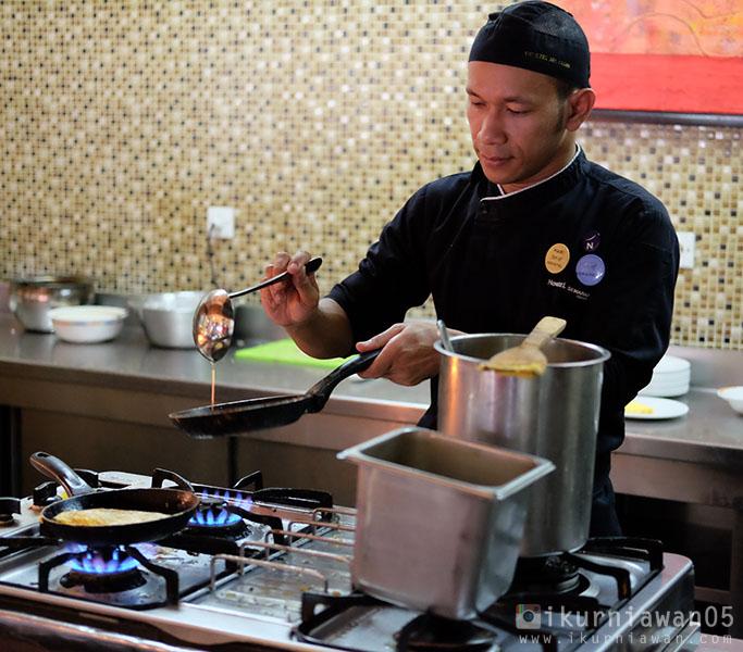 Chef Restaurant Novotel Hotel Semarang Indonesia