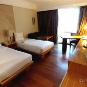 Twin Bed Room Novotel Hotel Semarang Indonesia