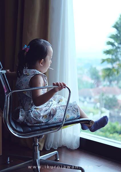 Si Kecil Bersantai di Hotel Emersia Bandar Lampung