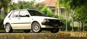Mobil Toyota Starlet Retro