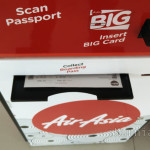 Boarding pass hasil cetakan mesin check-in AirAsia
