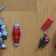 Isi Dalam Box Gundam Converge Limited RX-78-2 dan Zaku II