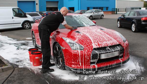 Tips Cara Mencuci Mobil Yang Benar