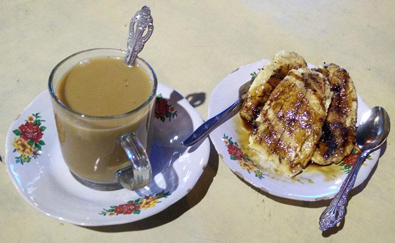 Kuliner Makassar Saraba dan Pisang Epe