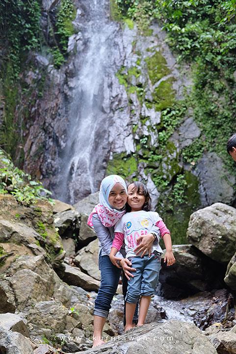 Main ke Air Terjun Pasar Taman Huta Raya Lampung
