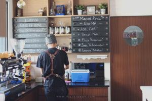 Barista Kopi di Wake Up Cafe Bandar Lampung