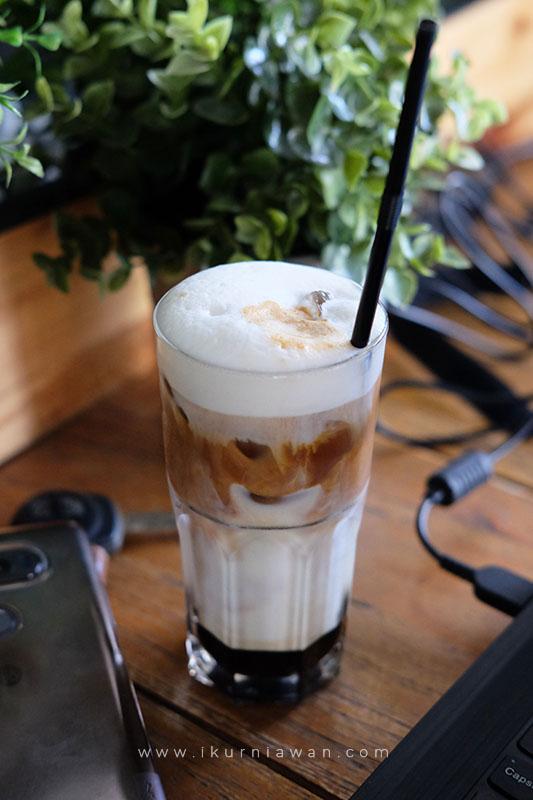 Minum Kopi Enak di Wake Up Cafe Bandar Lampung