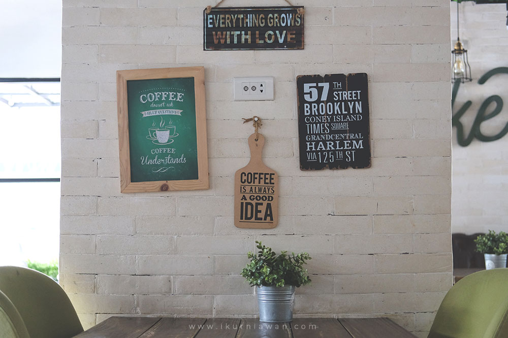 Ornamen Instagram Cafe Bandar Lampung Wake Up