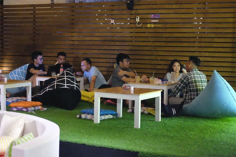 Cafe tempat mengerjakan tugas di Jakarta Pusat