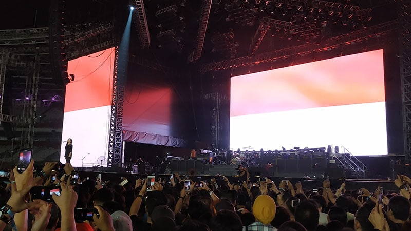 Lagu Indonesia Raya di Konser Guns N Roses Jakarta