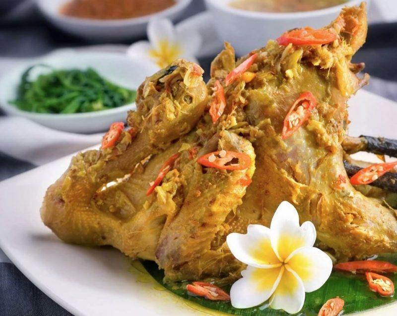 Kuliner Bali Ayam Betutu