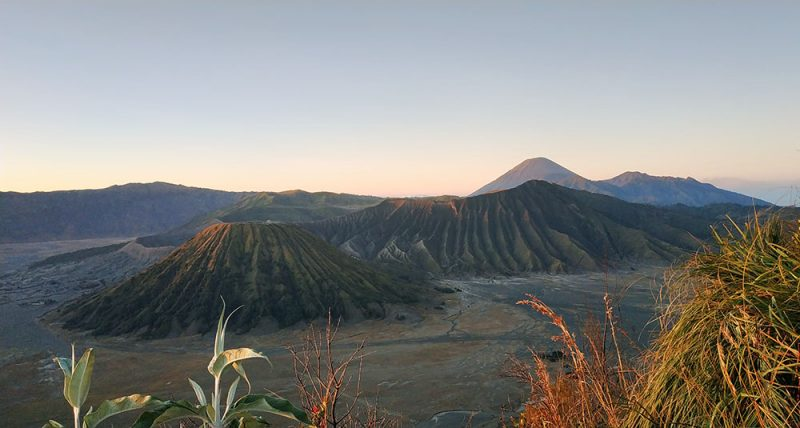 Sunrise Bromo Dari bukit Cinta